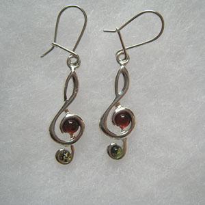 Boucle d'oreilles clé de sol - bijou ambre et argent