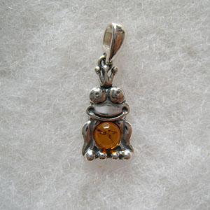 Pendentif grenouille - bijou ambre et argent