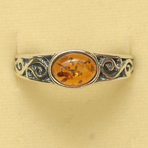 B9   Bague style ancien - bijou ambre et argent