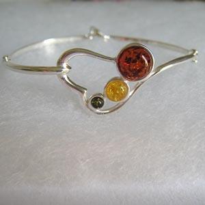 Bracelet semi rigide coeur - bijou ambre et argent