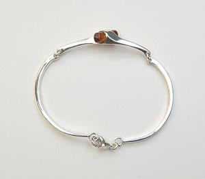 Bracelet petit tonneau - bijou ambre et argent