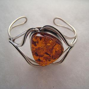 Bracelet harmonie avec perle triangulaire - bijou ambre et argent
