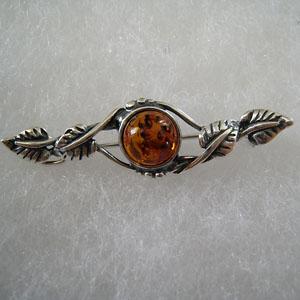 Broche style ancien - bijou ambre et argent