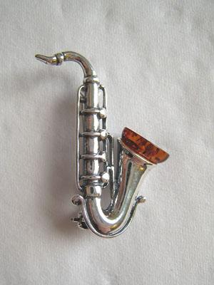 Broche saxophone - bijou ambre et argent