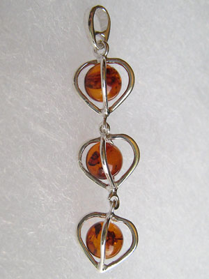 Pendentif coeur trois perles - bijou ambre et argent