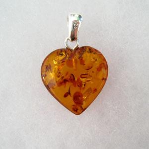 Pendentif  ambre coeur moyen  - bijou ambre et argent