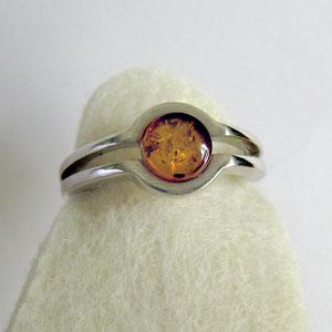 Bague ronde moderne - bijou ambre et argent