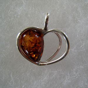Pendentif petit coeur - bijou ambre et argent