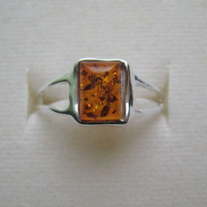 B29   Bague mini rectangle - bijou ambre et argent