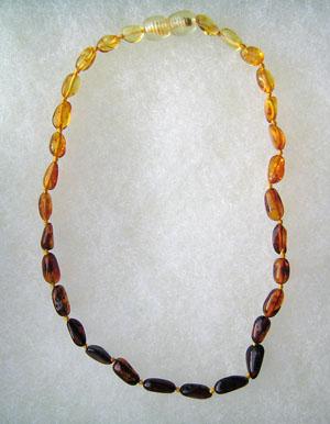 Collier ambre bébé olive dégradé - bijou ambre et argent