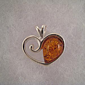 Pendentif coeur moitié d'ambre - bijou ambre et argent