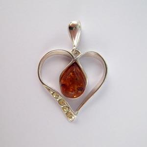 Pendentif coeur zyrco pendentifs bijou ambre et argent - Nettoyer chaine en argent ...