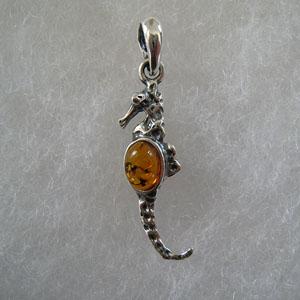 Pendentif hippocampe pendentifs bijou ambre et argent - Nettoyer chaine en argent ...