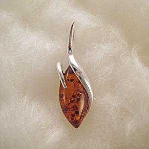 Pendentif ovale pointu - bijou ambre et argent