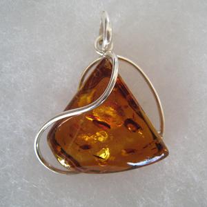 Pendentif triangle mode - bijou ambre et argent