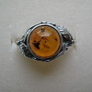 B25   Bague style ancien feuille ronde - bijou ambre et argent